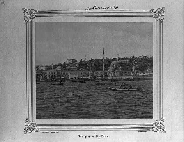 İstanbul Boğazı, Tophane (Nusretiye) Camii civarı